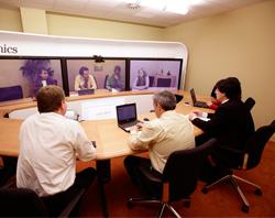 Unitronics. Sala de telepresencia