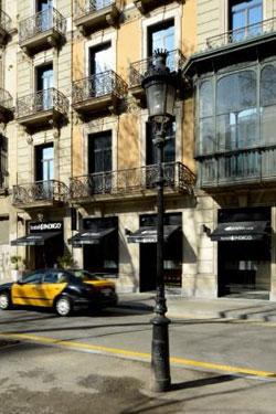 fachada de hotel Indigo en Barcelona